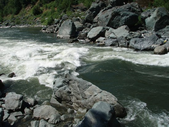 Orange Torpedo Rafting Trips: Klamath River - Big Ike!