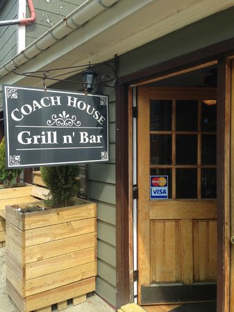 Coach House Grill n' Bar