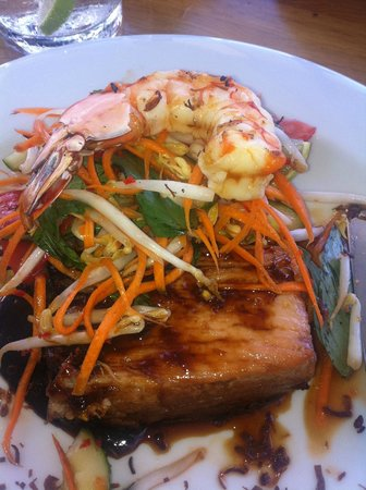 Ellenix: Caramelised pork belly, prawn, carrot & kaffir lime salad