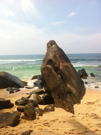Sri Gemunu : amazing beach bang on the beach:))