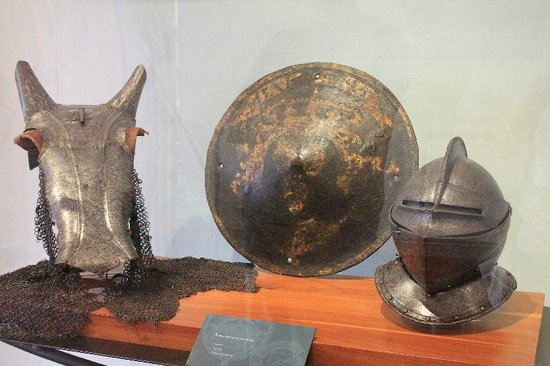 Acapulco Historical Museum: Armures Homme et cheval.