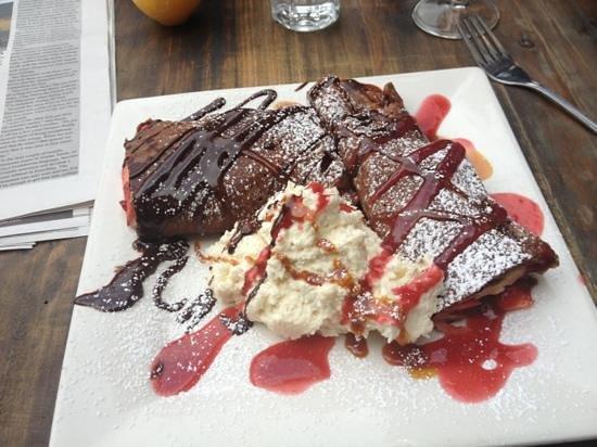 French Alpine Bistro - Creperie du Village: schokoladepalatschinke