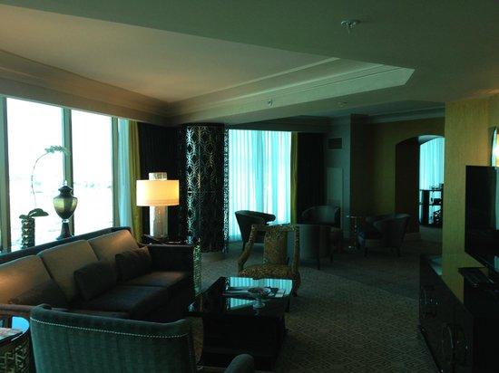 Four Seasons Hotel Las Vegas: Living Room In Presidential Suite