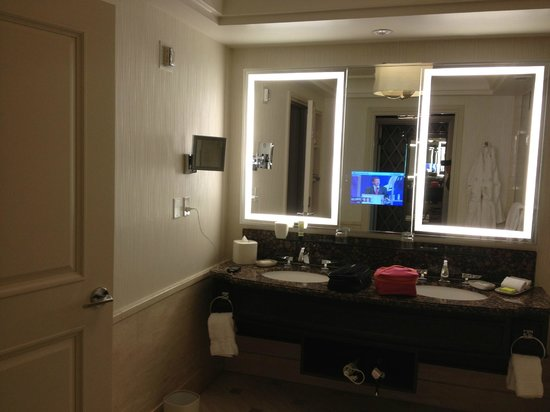 Four Seasons Hotel Las Vegas: Master Bathroom Presidential Suite
