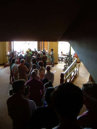 Hyatt Regency Maui Resort and Spa: Not so good - queuing for breakfast