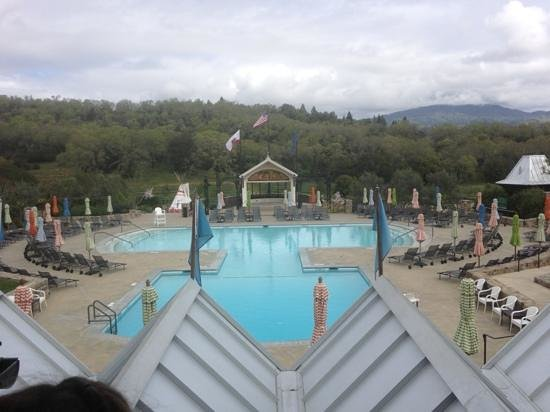 Francis Ford Coppola Winery: view of the pool & mountains