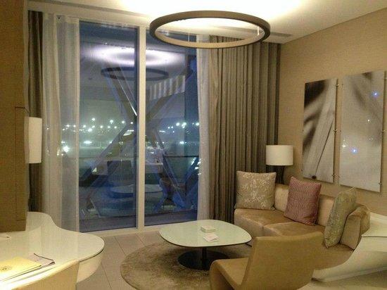 Yas Viceroy Abu Dhabi: Deluxe room