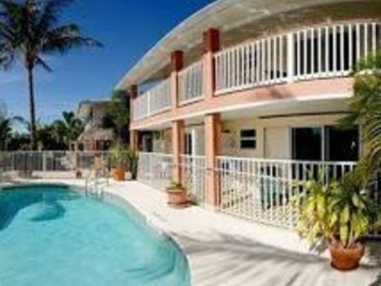 Manatee Bay Inn - Best Bed & Breakfast on Fort Myers Beach