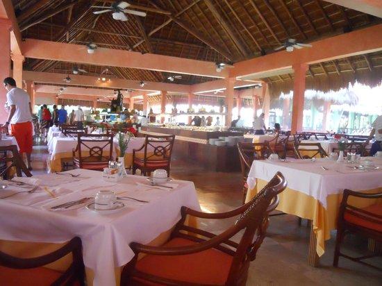 Iberostar Quetzal Playacar: Salle à manger - buffet