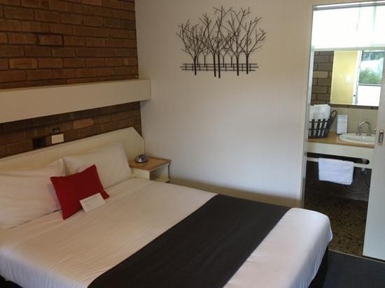 Tower Motel: room 14