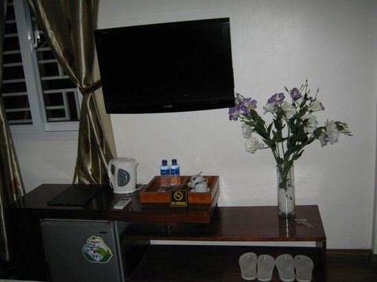 Hidden Charm Hotel: LCD TV