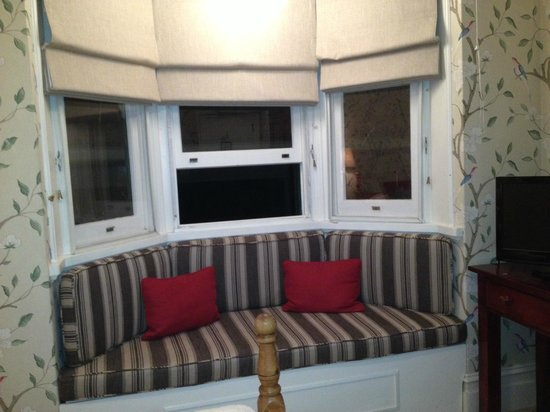 The Russell Hotel : Window seat