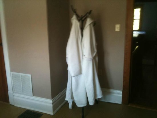 Acorn Ridge Bed and Breakfast: our robes in the Willow Oak room