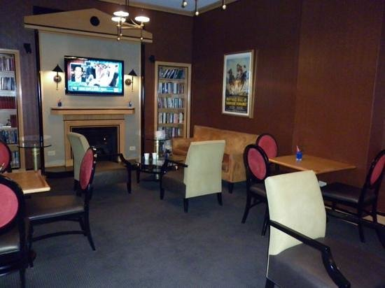 Guest lounge, Hotel Metro