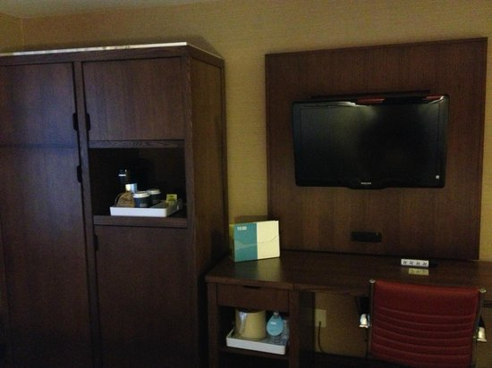 Four Points by Sheraton Niagara Falls: 2 queen, city view, non-smoking