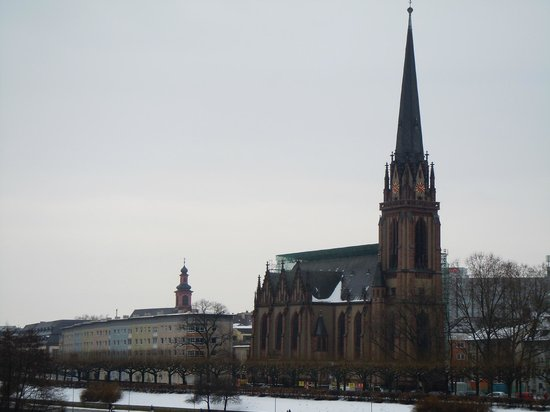 Dreikonigskirche: From across the river
