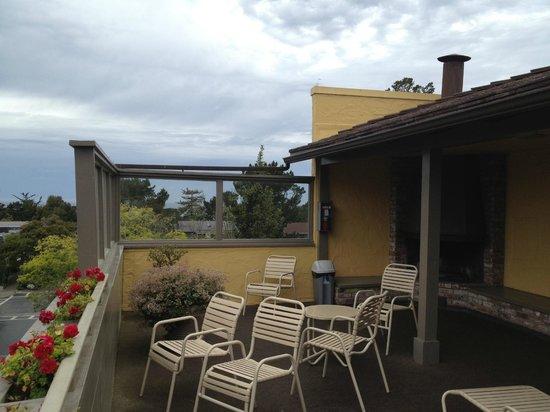 Best Western Carmel's Town House Lodge: Sun deck