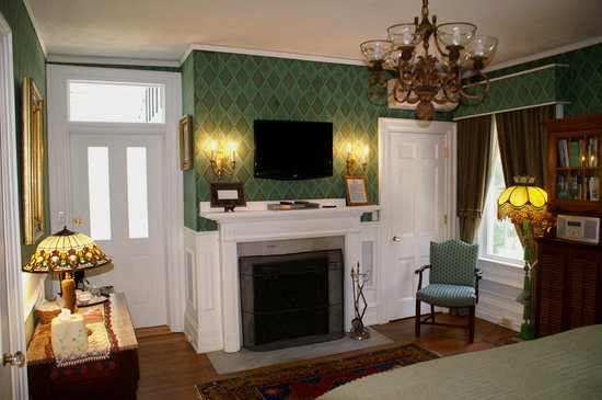 Melange Bed and Breakfast: Emerald Room