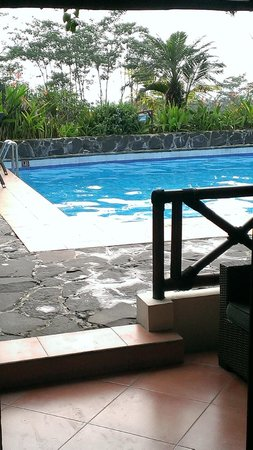 Villa Sumbing Indah: 2m from the room and you are in the swimming-pool