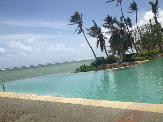 Shangri-La's Fijian Resort & Spa: Infinity Pool