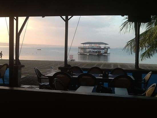 Blue Rock Beach Resort : view of floating bar from my room