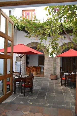 Casareyna Hotel: dining