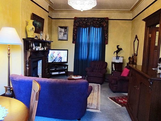 Marble Lodge: Magnollia Room.. beautifully decorated, fantastic 2 room suite, spa, open fires...it has it all
