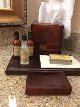 Columbus Marriott: bath products, refreshed daily