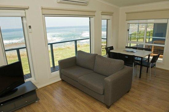 Kilcunda, Australia: Oceanview Villa Lounge Dining