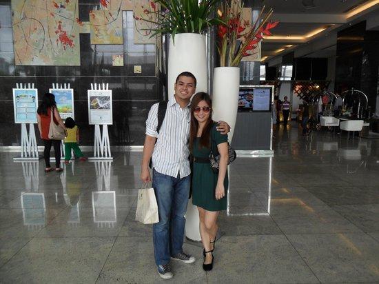 Acacia Hotel Manila: Lobby