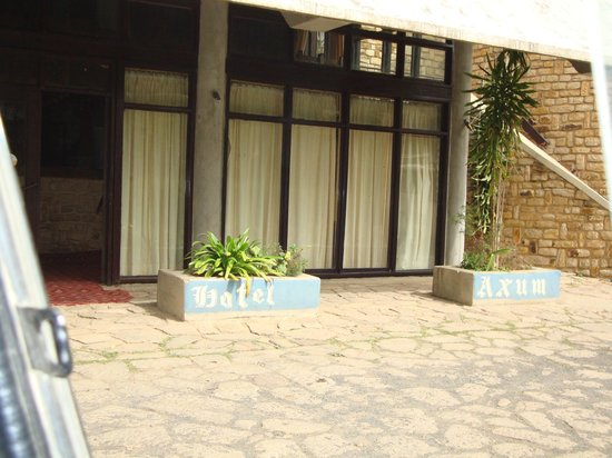 Axum Hotel: Front of the hotel