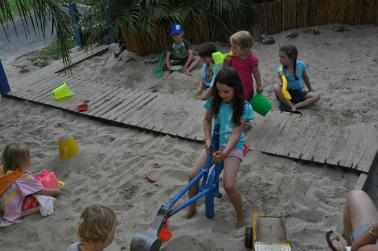 Kangerong Holiday Park: Sandpit
