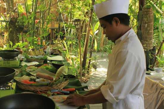 Khmer Dining Cuisine: Chef is preparing to show cooking skill for Resident to practic