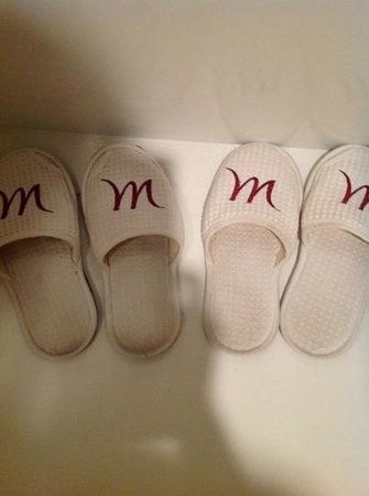Mercure Chiang Mai: They give out used slippers! Yuck.