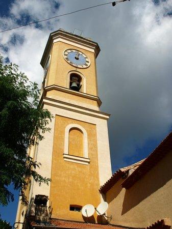 Eze, France: 黄色の鐘楼