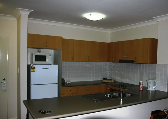 Leisure Inn Spires - Blue Mountains: Kitchen