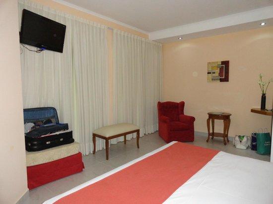 Gran Hotel La Paz Spa: Habitación muy amplia y bien ventilada