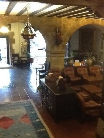Hotel Museo Los Infantes: lobby