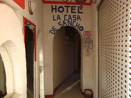 La Casa De Sancho : ENTRADA AL HOTEL