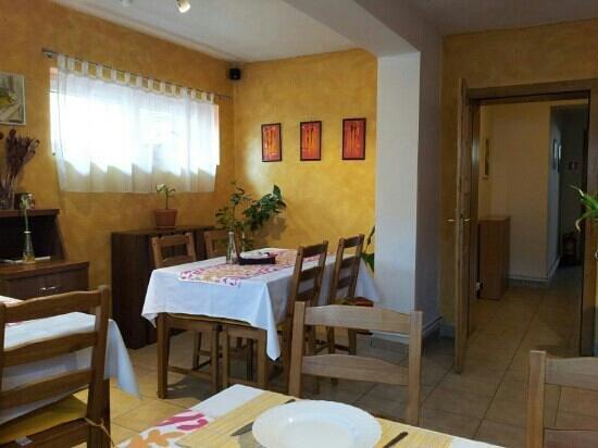 Pensiunea Gallery: breakfast room