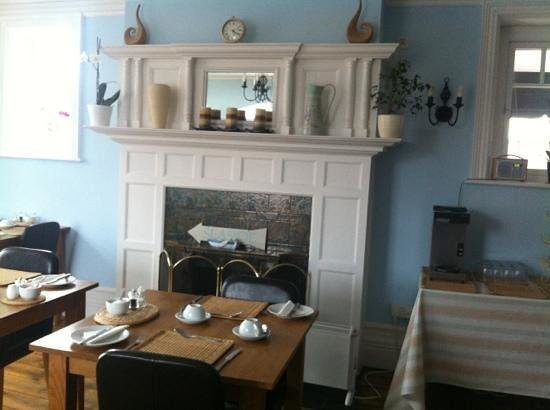 Camberley Guest House: dining room