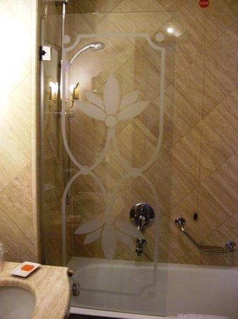 NH Ravenna : vetro del bagno