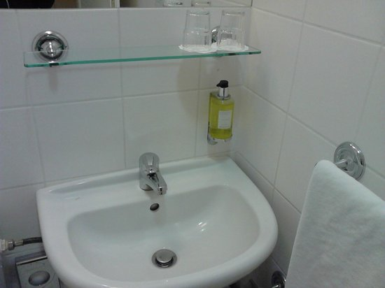 BEST WESTERN Amedia Praha: Ванная комната