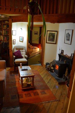 Bryn Elltyd eco Guest House: Wrysgan room through the sitting room
