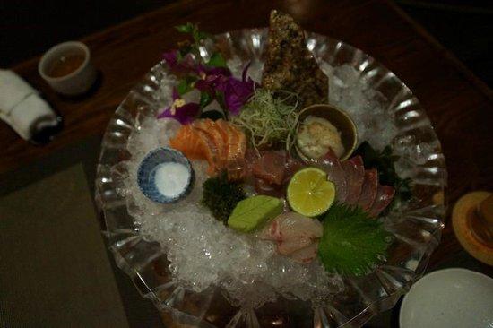 Rin Japanese Restaurant : 前菜2 (お刺身の盛り合わせ-二人分)