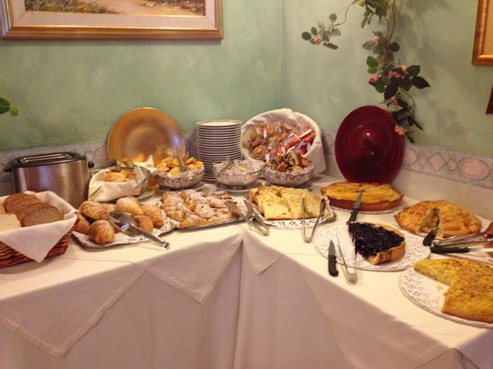 Albergo San Biagio: un reparto della colazione