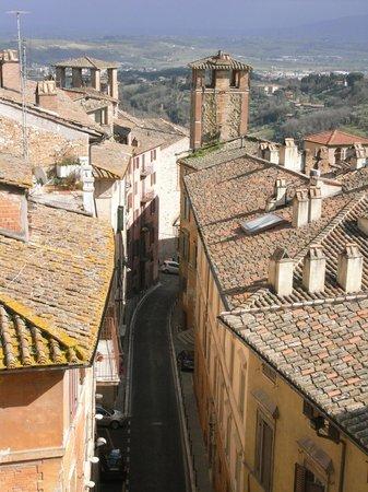 B&B San Fiorenzo: Medieval Tower & Via Alessi