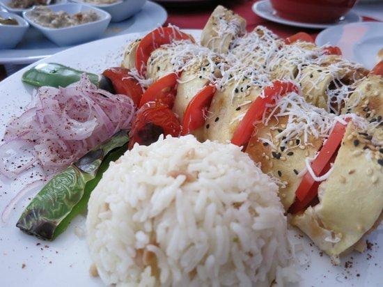 Grand Lounge Turkish Cuisine: Chicken Roll