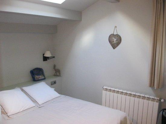 Hotelet del Bac: Habitación acogedora y encantadora