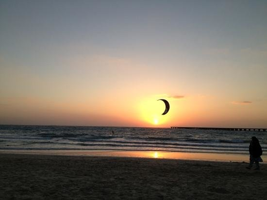Habtoor Grand Resort, Autograph Collection: On the Habtoors beach sunset!! xx